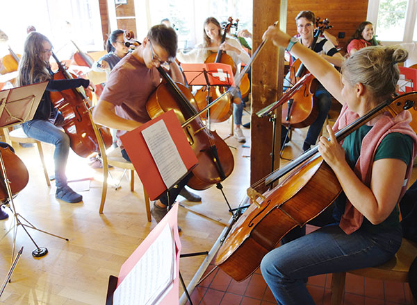 EVA RÖNTZ Cellopädagogin